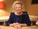 Nizozemská královna Beatrix pronáší projev, ve kterém oznámila svou rezignaci