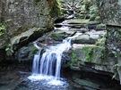 Satinské vodopády jsou jedním z mála známých míst, které se nacházejí přímo pod Lysou horou.