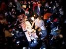 Poražený prezidentský kandidát Karel Schwarzenberg přišel mezi své příznivce v