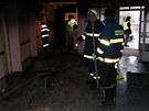 Pohled do chodby DPS Jičínská v Příboře, kde při požáru zemřely dvě ženy. (21.