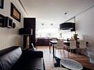 Interiéru po proměně dominují teplé přírodní barvy, zajímavý kontrast tvoří