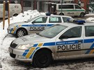 Neznámí pachatelé přepadli dodávku převážející peníze (21. ledna 2013).