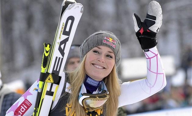 VÍT�ZNÝ ÚSM�V. Ameri�anka Lindsey Vonnová v cíli ob�ího slalomu v Mariboru.