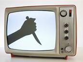 Mezi nejdiskutovanější otázky patří vliv médií na vnímání násilí ve společnosti.