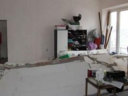 V domě v Brně - Králově Poli explodovala lahev s benzinem. Výbuch zničil zeď