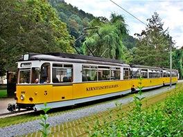 Souprava na trati Kirnitzschtalbahn vBad Schandau, kousek za českou hranicí.