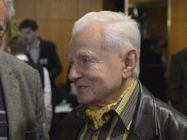 Bývalý místopředseda Zemanovy vlády Miroslav Grégr (vpravo) hovoří s bývalým