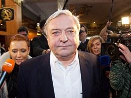 Do volebního štábu Miloše Zemana dorazil i jeho přítel a poradce Miroslav