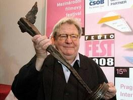 Režisér Alan Parker s cenou Kristián - Febiofest, Praha (27. března 2008)