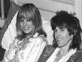 Keith Richards s Anitou Pallenbergovou (z knihy �ivot rockera)