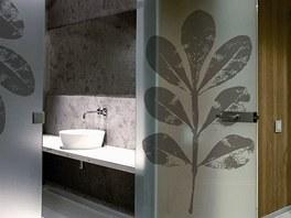 Model Plant patří k velmi oblíbeným - celoskleněné dveře s horním nadsvětlíkem.