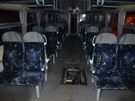 V soupravě, která měla dva vozy, cestovalo 25 lidí (28. ledna 2013).