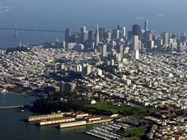 Centrum San Franciska – v roce 1906 bylo město ze tří čtvrtin zničené