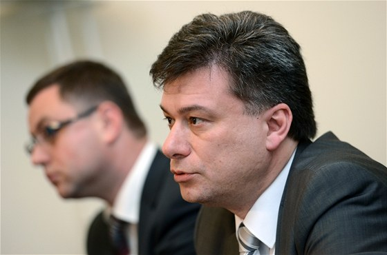 Ministr spravedlnosti Pavel Bla�ek a nejvy��� st�tn� z�stupce Pavel Zeman