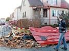 Vítr strhl střechu domu v královéhradecké čtvrti Kukleny(31. 1. 2013)