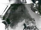 Požárem zničená kabina Apollo AS-204