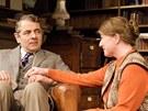 Rowan Atkinson a Felicity Montague v divadelní hře Quartermaine's Terms