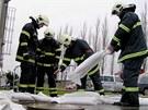 Voda z polí zatékala do bazénového centra v Karlových Varech. Hasiči na místo