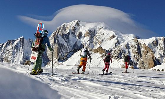 Zimní oblečení pro alpinisty od značky Majola