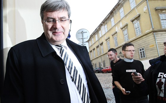 Za Milošem Zemanem dorazil do jeho sídla vlivný právník, šéf ČSTV Miroslav