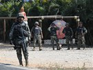 Mexičtí vojáci v letovisku Acapulco (5. února 2013)