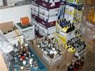 V nelegálním skladu byly i stovky lahví s etiketou Likérky Drak a dalších