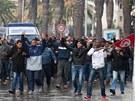 Tisíce Tunisanů protestovaly proti vládě po smrti opozičního vůdce Šukrího