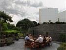 Jednou z největších devíz nového domova je krásná nová zahrada, která vznikla na střeše společného křídla.