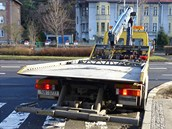 Řidič nechal stát odtahové auto na přechodu v křižovatce Masarykovy a...