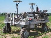 """Takzvaný """"Autonomní stroj pro kontrolu plevele"""" z dílny univerzity v holandském"""