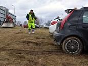 Vyproštění auta z bahna