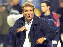 Tren�r FK Teplice Du�an Uhrin p�i utk�n� s Ban�kem Ostrava (8. z��� 2001)