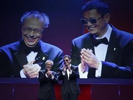 Ředitel festivalu Dieter Kosslick a režisér Wong Kar Wai při zahájení Berlinale