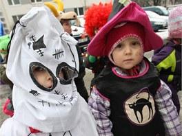 Rodiče museli společně s dětmi připravit masky, ideálně tradiční. Tedy...