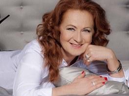 Simona Stašová je přesvědčivá i jako modelka, profesi ale měnit nebude.
