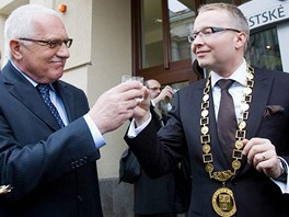 Otevření nové radnice Prahy 6 se účastnil i prezident Václav Klaus.