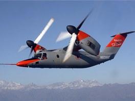 Stroj AgustaWestland AW609 má dva sklopné rotory po stranách. Vzlétne jako