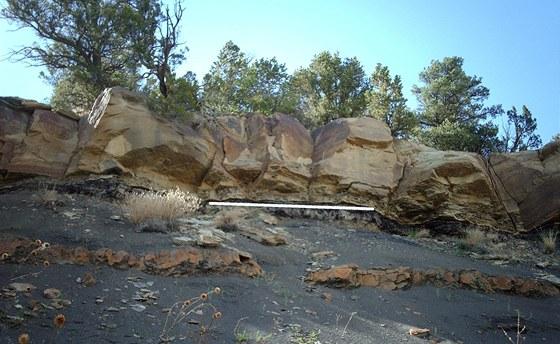 Takzvané rozhraní K-T (křída - terciér), tedy geologická hranice mezi