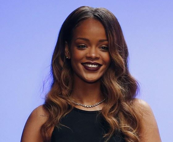 Rihanna přijela na londýnský týden módy představit svou kolekci.