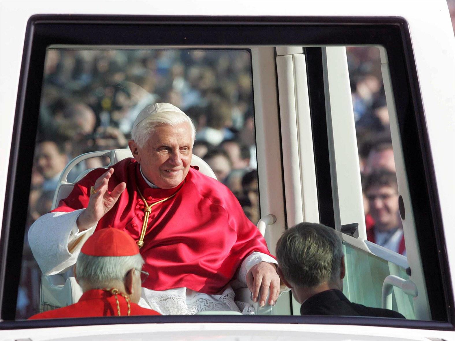Na konci září 2009 navštívil Benedikt XVI. Českou republiku.
