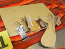 Muž s sebou vezl v několika obálkách sedm balíčků s heroinem.