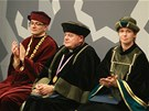 Arcibiskup pra�sk� Dominik Duka na univerzit� v Hradci Kr�lov�, kde p�evzal