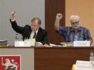 Poté, co místostarosta Petr Vodňanský (vlevo) odmítl odstoupit z funkce,