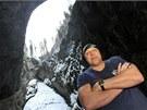 Otužilci plavali v mrazivé Punkvě půl kilometru. Oslavili tím   80 let od objevení takzvané mokré cesty Punkevními jeskyněmi.