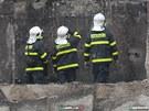 Pohled, kterému hasiči nemohou uvěřit. Z bytů zůstaly jen otisky. (19. února