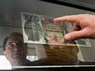 Výstava České národní banky 20 let chráníme českou korunu na hradecké