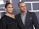 Grammy za rok 2012 - Jennifer Lopezovou doprovodil jej� p��tel Casper Smart.