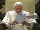 Papež poprvé od rezignace promluvil k věřícím.