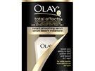 Zelený čaj: Okamžitě zjemňující sérum Total Effects 7-in-1, Olay, prodává Fann,