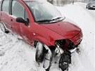 Policie v Královéhradeckém kraji vyjížděla k několika nehodám na sněhu.